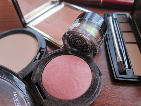 Powder products, blusher, bronzer