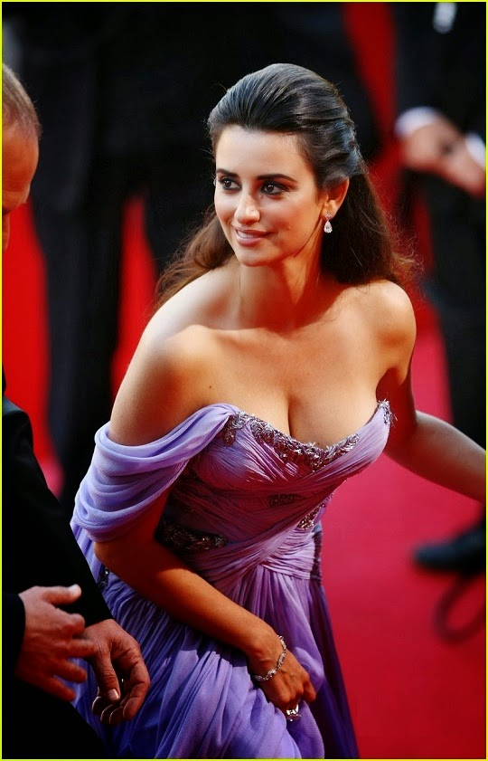 penelope-cruz-topless