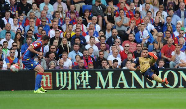 Arsenal joga bem e vence a primeira na Premier League