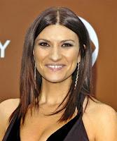 Laura Pausini protests against paparazzi