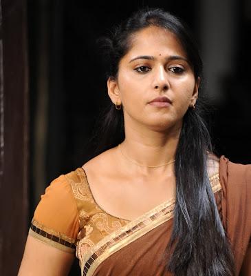 anushka half saree glamour  images