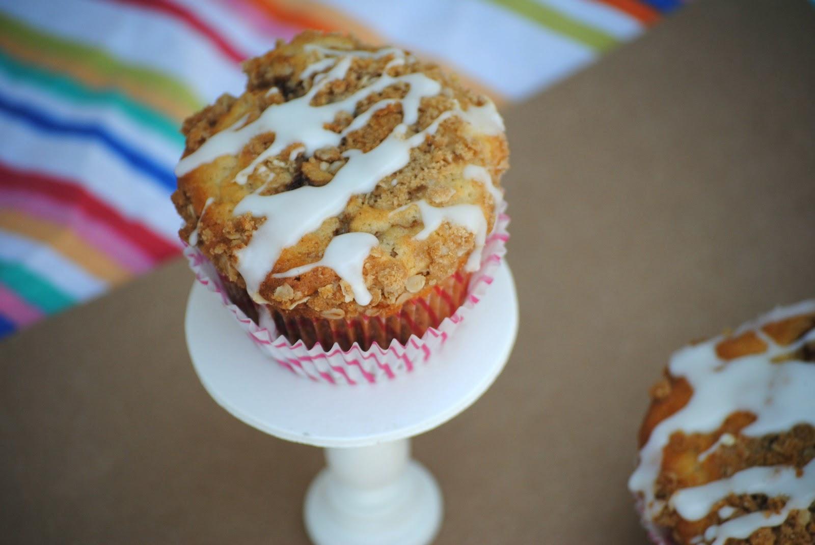 The Farm Girl Recipes: Cinnamon Roll Muffins