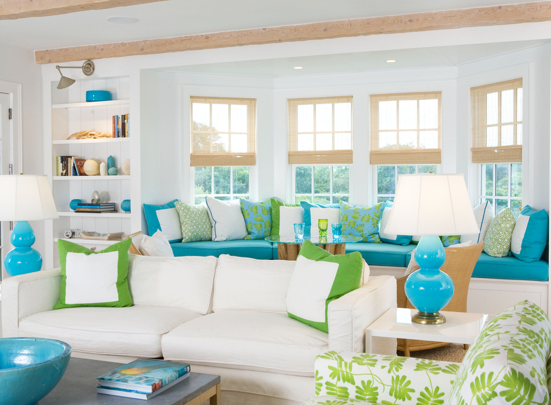 Coastal style beach house decorating tips - Sofa azul turquesa ...