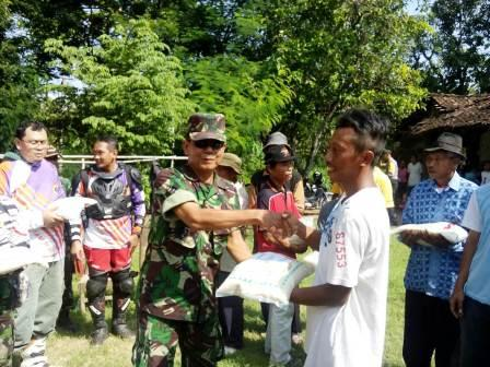 Bakti Sosial Komunitas Trail Kediri Bersama Kodim & Polresta Kediri