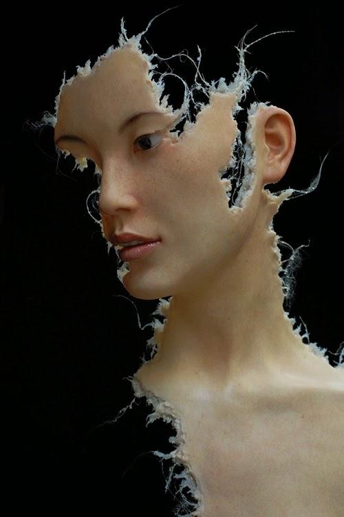 05-Jamie-Salmon-Fragments-Avatar-Hyper-Realistic-Sculptures-Artists-www-designstack-co