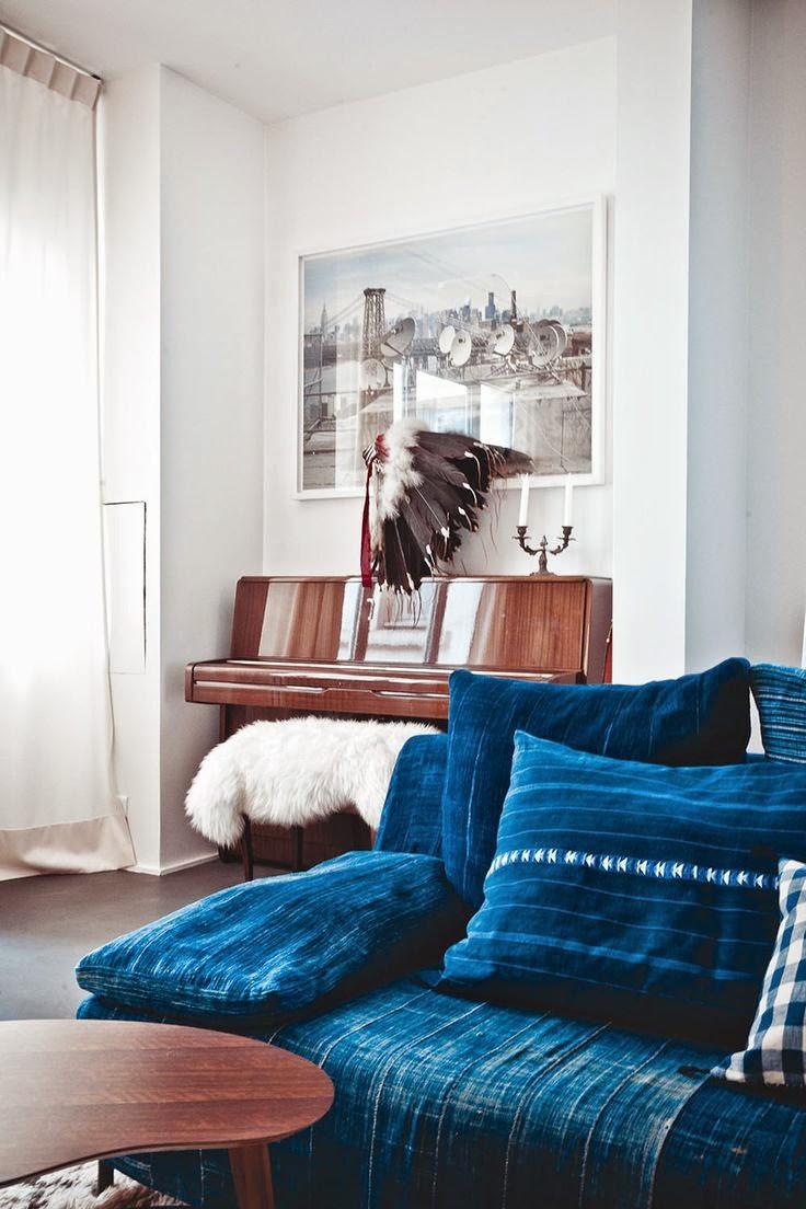 Salon vintage con sofa vaquero