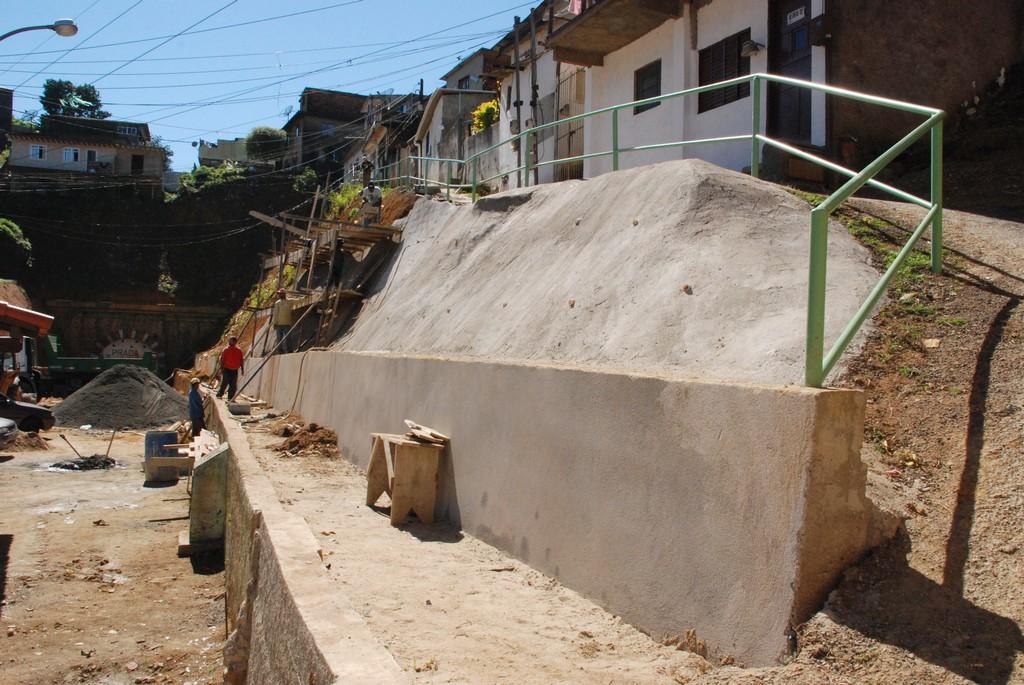 Obras de reforma continuam na praça da Beira Linha em Teresópolis