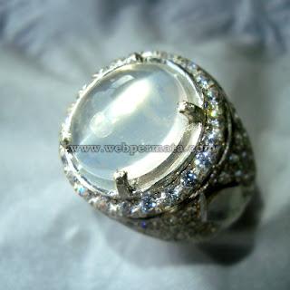 Batu permata moonstone cat eye