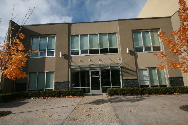 Cindy ross interior design exterior transformation for Commercial building exterior design