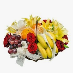 Flower Arrangement with fruits delivery in Poland