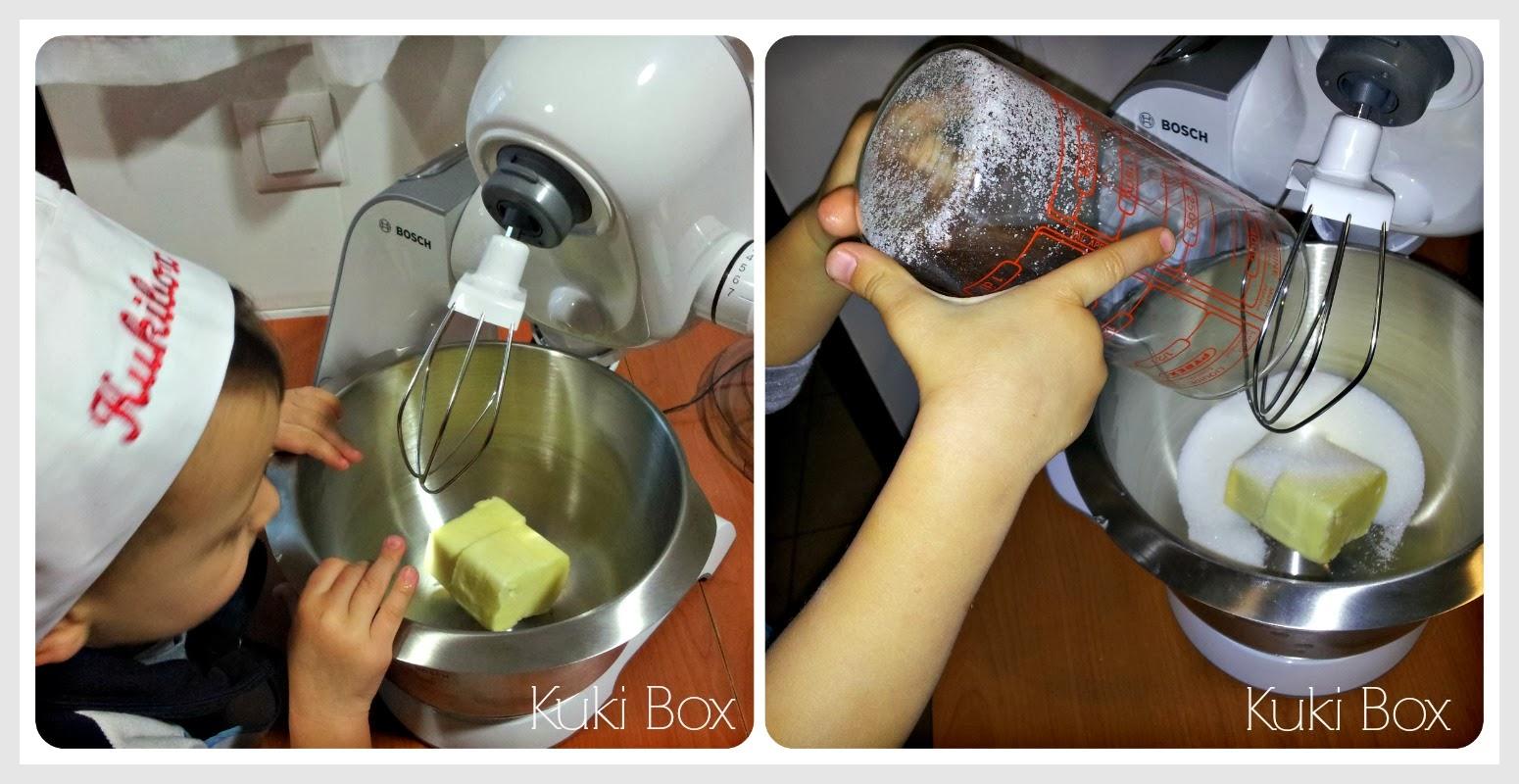 KukiBox - añadir mantequilla y azucar