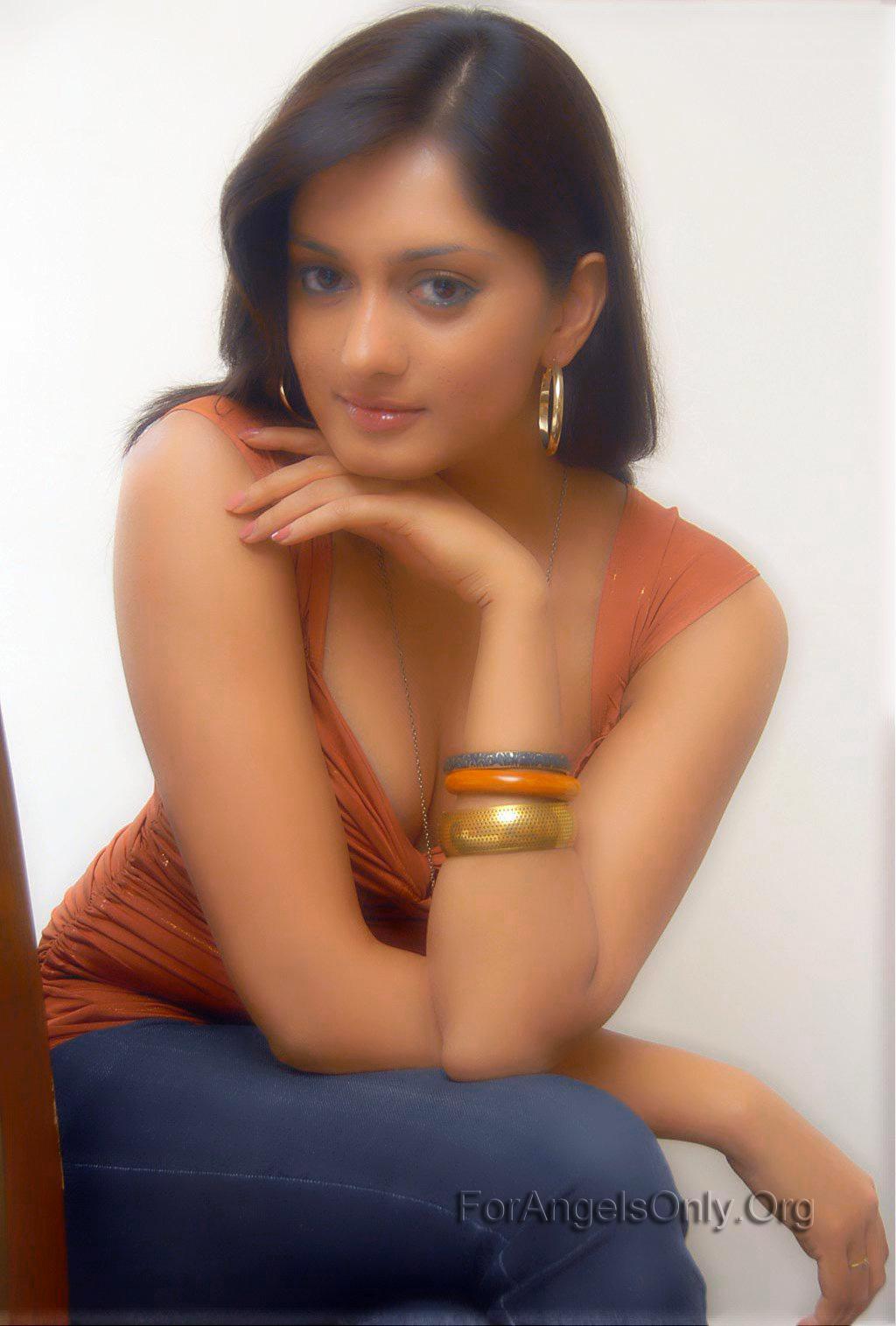 http://3.bp.blogspot.com/-BPQqspeq9Ss/UFTMI_33-XI/AAAAAAAADTI/dN8QGU_XHCc/s1600/Parvati-Vaze-Sapno-se-bhare-naina_002.jpg