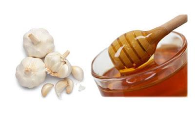 Mẹo hay trị dứt cơ đau dạ dày với tỏi và mật ong