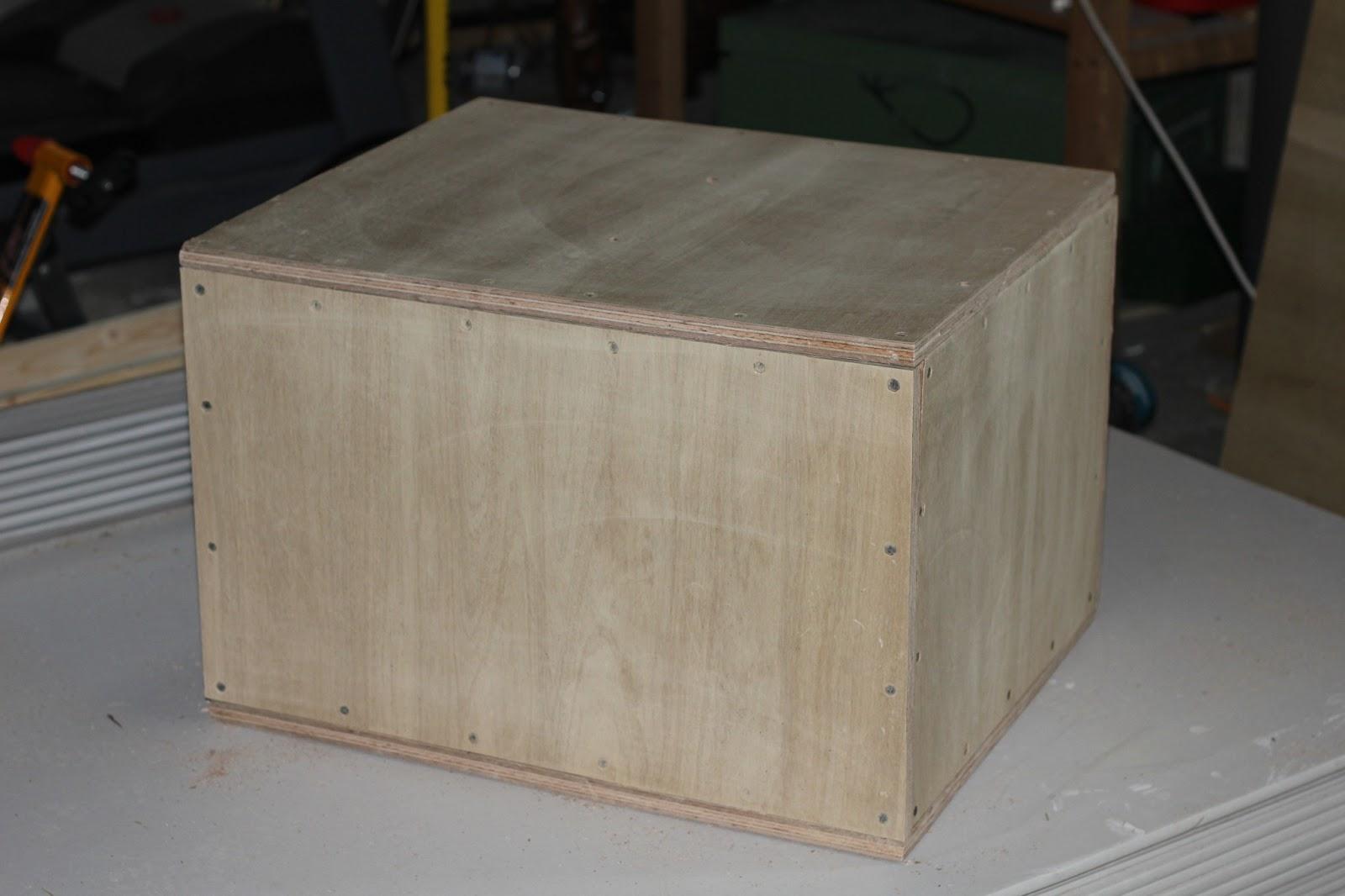 My new garage gym in plyo box