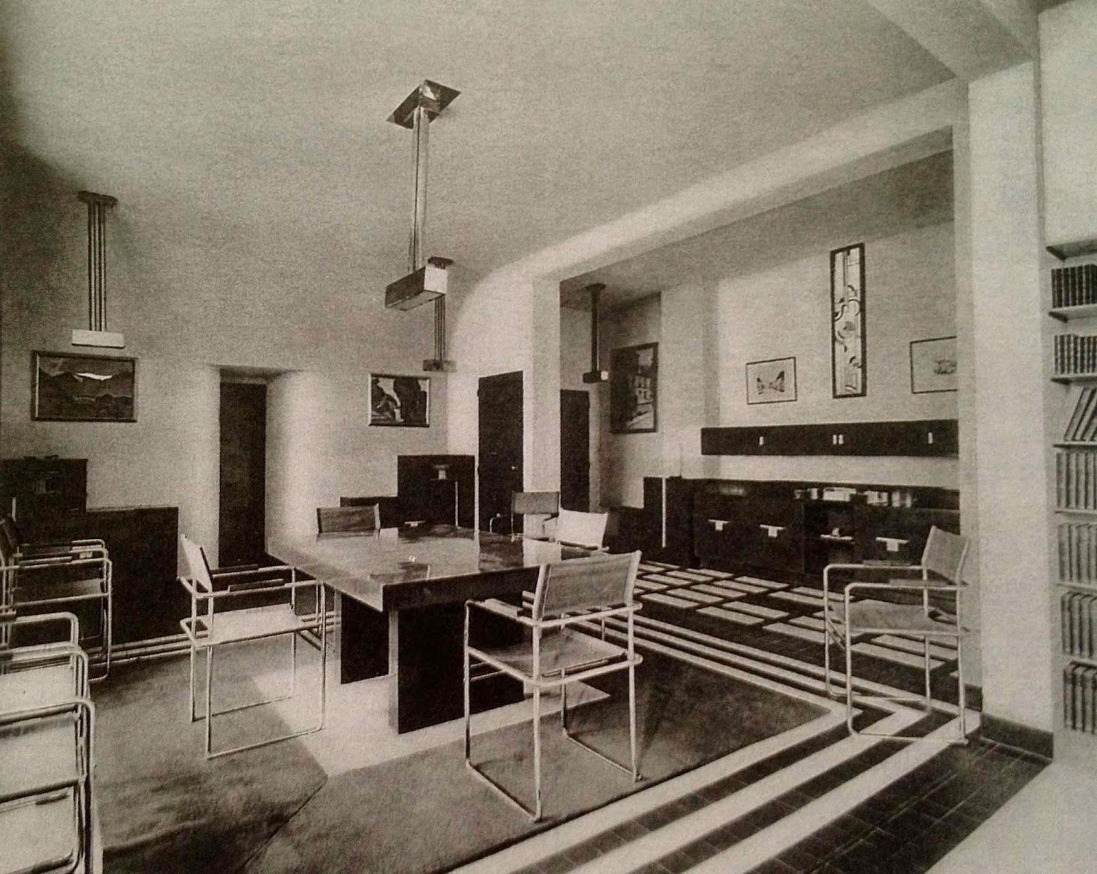 le blog des amis de la villa cavrois la rue mallet stevens. Black Bedroom Furniture Sets. Home Design Ideas
