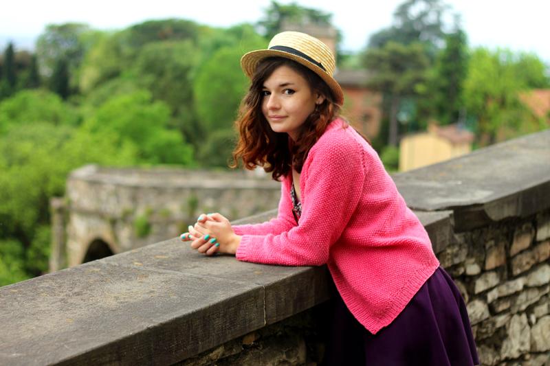 kwiatowy top rozowy sweter kokarda bergamo