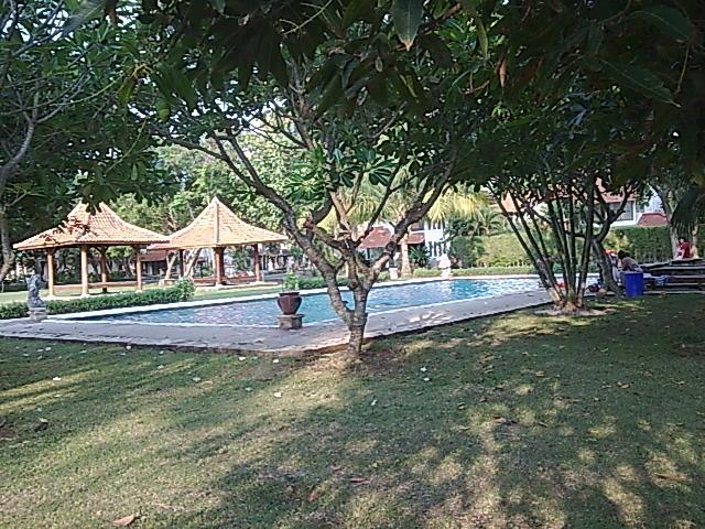 k.renang villa mambruk