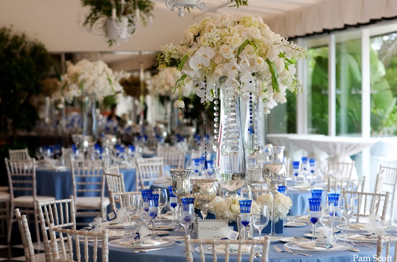 http://blog.karentran.com/recent-weddings/la-valencia-hotel-la-jolla-cobalt-blue-wedding/