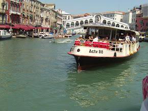 Vízibusz Velencében