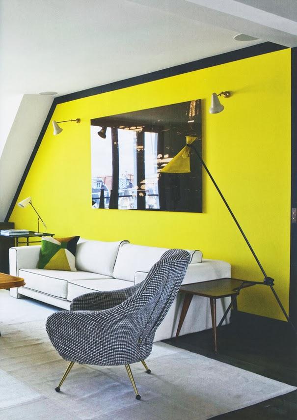 ein wohnzimmer in zitronengelb schwarz und wei. Black Bedroom Furniture Sets. Home Design Ideas