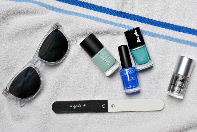 holiday travel long-lasting manicure kiko douglas cheeky p2 nail polish file