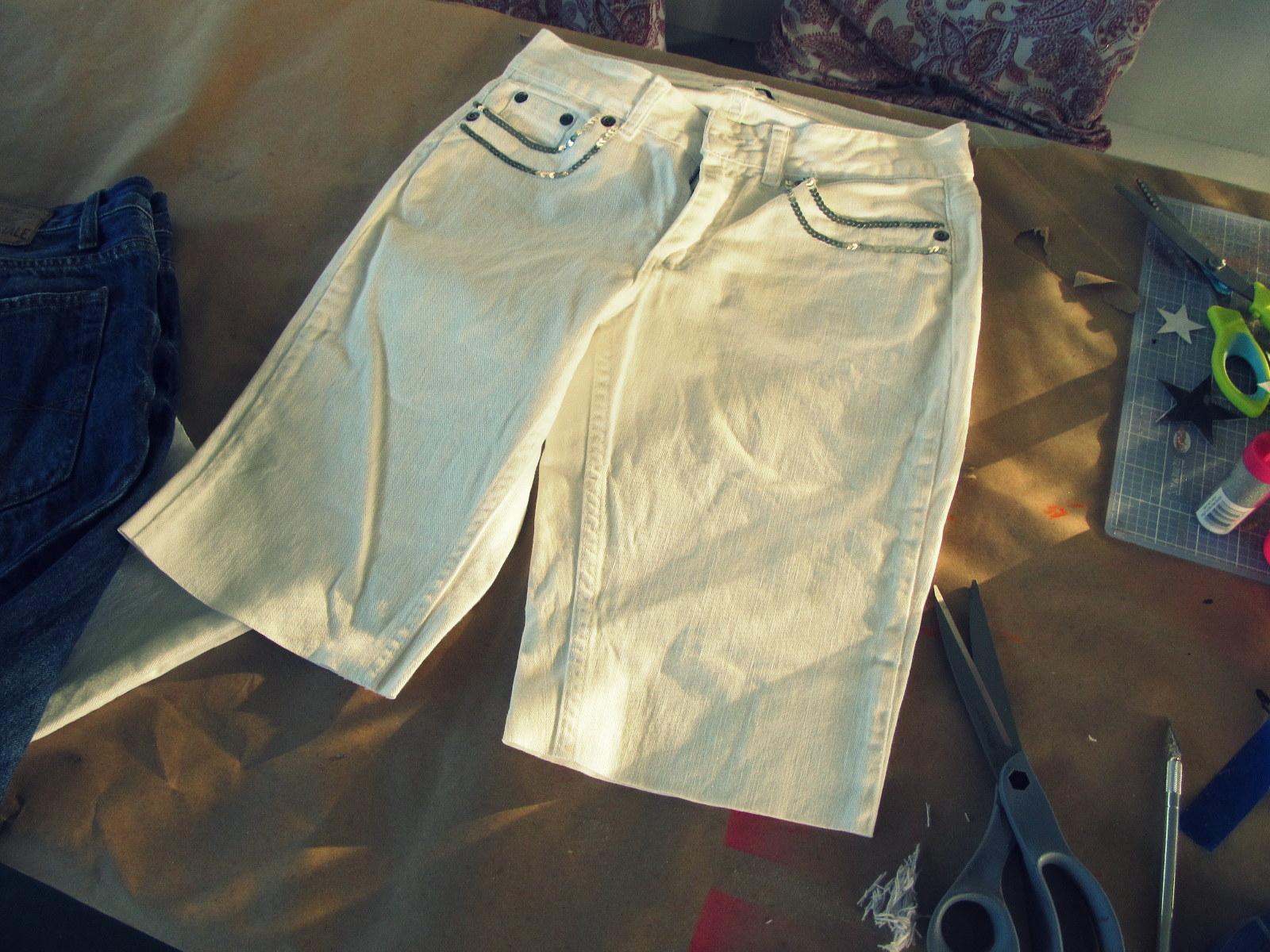 Как сделать рваные джинсы в домашних условиях пошагово