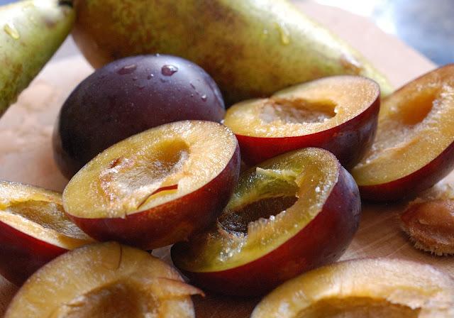 easy recipe plum and pear pie