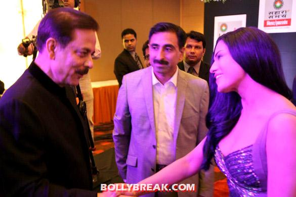 Subroto Roy with Veena Malik - (4) - Veena Malik at Sahara's new show