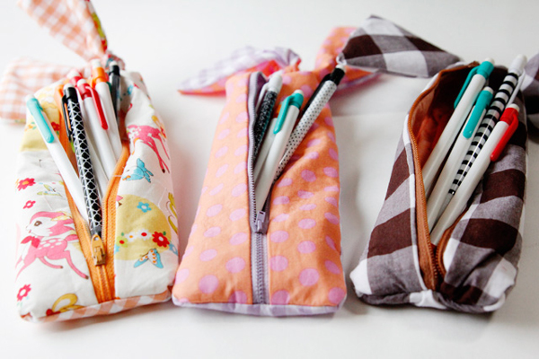 These pretty little pouches are from a massive list of 16 Awesome Free Pencil Case Tutorials!