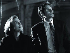Mulder and Scully = LOVE!