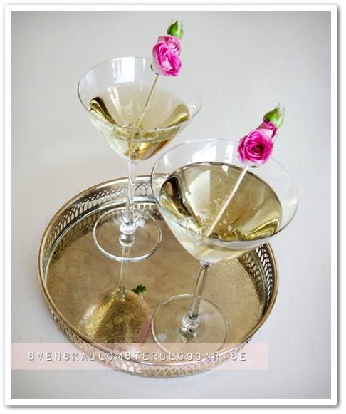 drinkar alla hjärtans dag, dinks valentines day, ros drinkar, rose drinks, rose petal martini, ros martini, rosenmartini, martini roses, martini ros