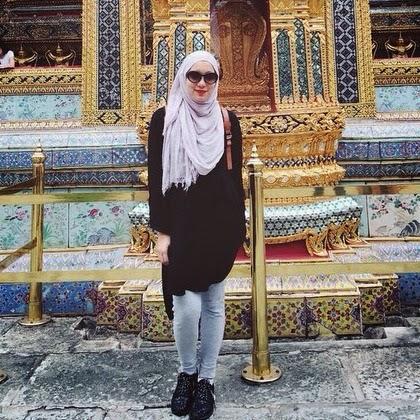 Padu Padan Hijab dan Celana Jeans Tidak Terlihat Ketat