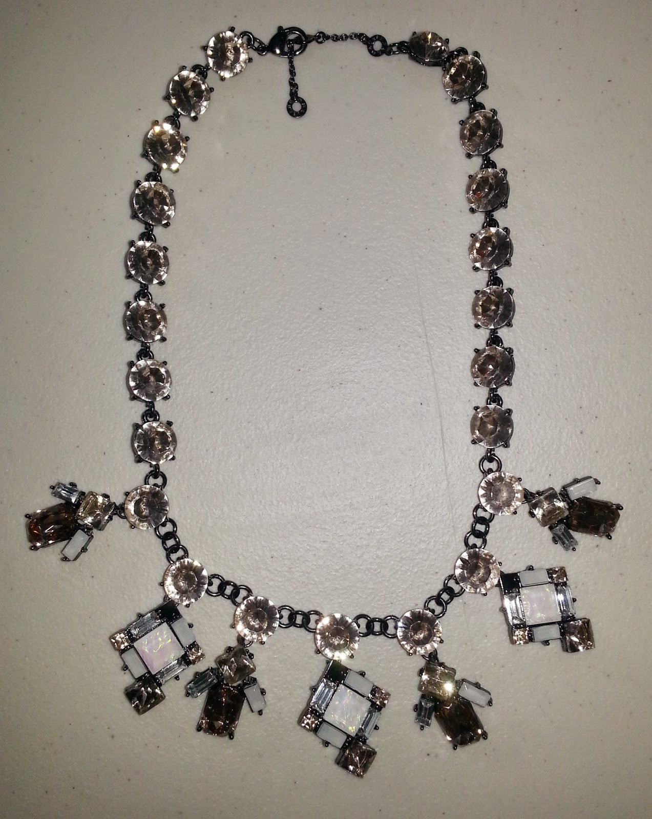 Opal Pirouette Collar