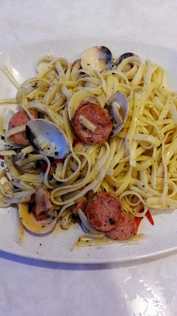 FOOD 101 : Clam & Sausage Pasta
