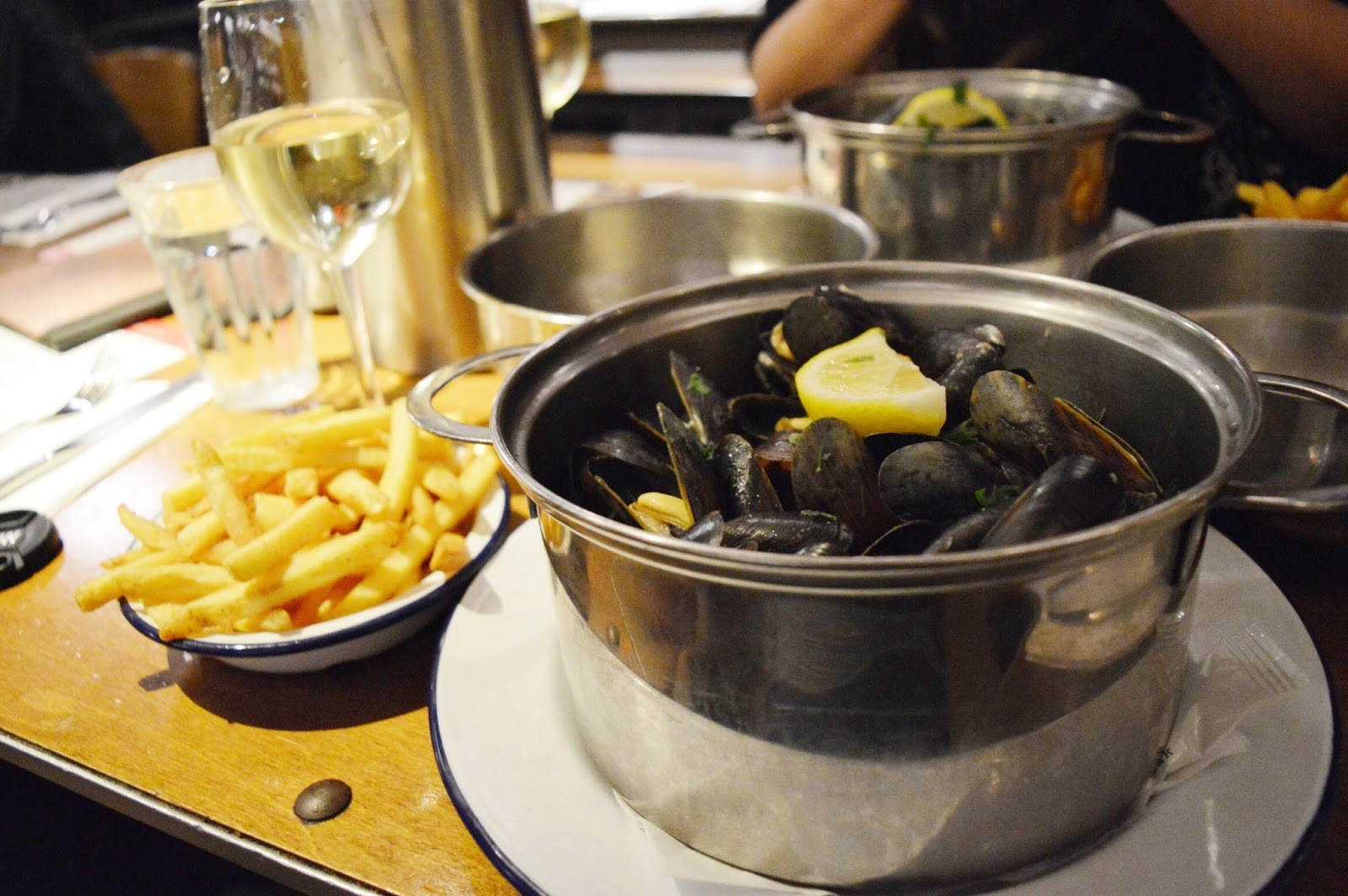 Belgo Soho review, food bloggers, FashionFake, lifestyle bloggers, London bloggers, Belgian restaurant in London