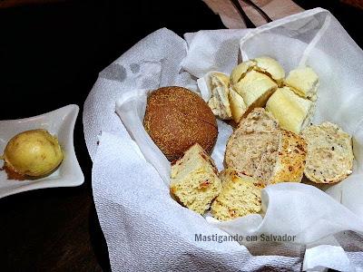 148 Gastronomia Honesta: Pães e Manteiga com Alho Torrado