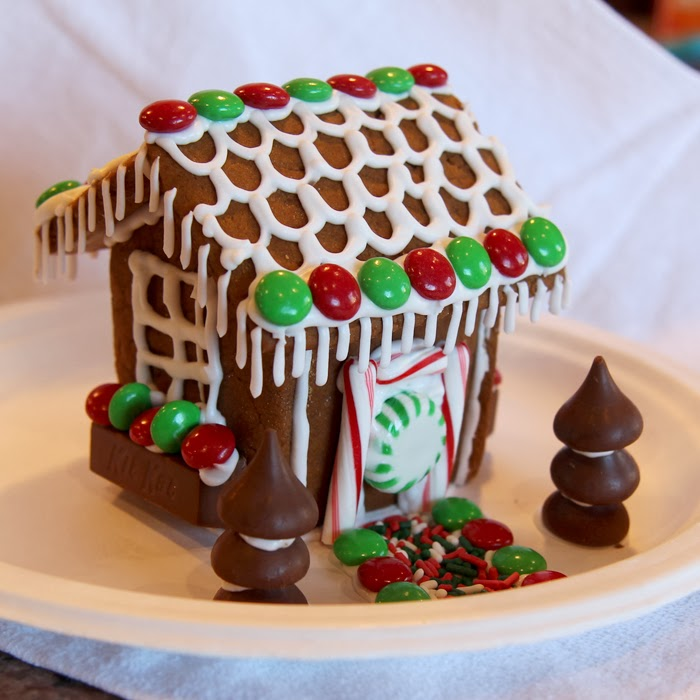 Gingerbread House Patterns and Tutorials 2014