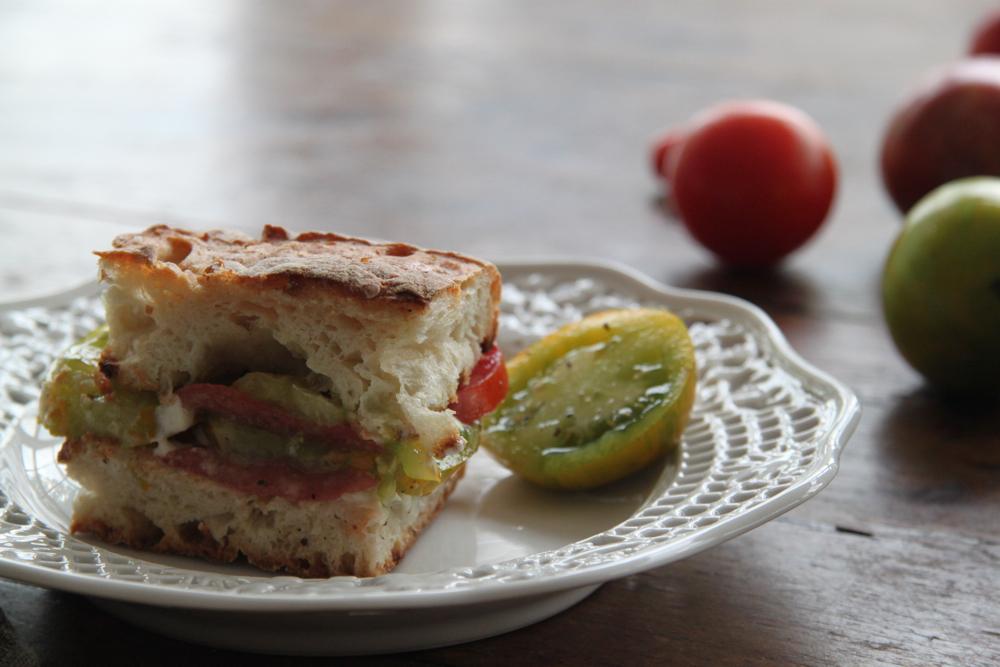 bigBANG studio: Perfect Heirloom Tomato Sandwich