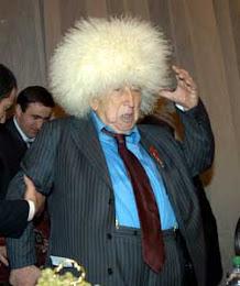 Расулу Гамзатову 80 лет