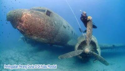 Bangkai kapal karam di Pulau Morotai