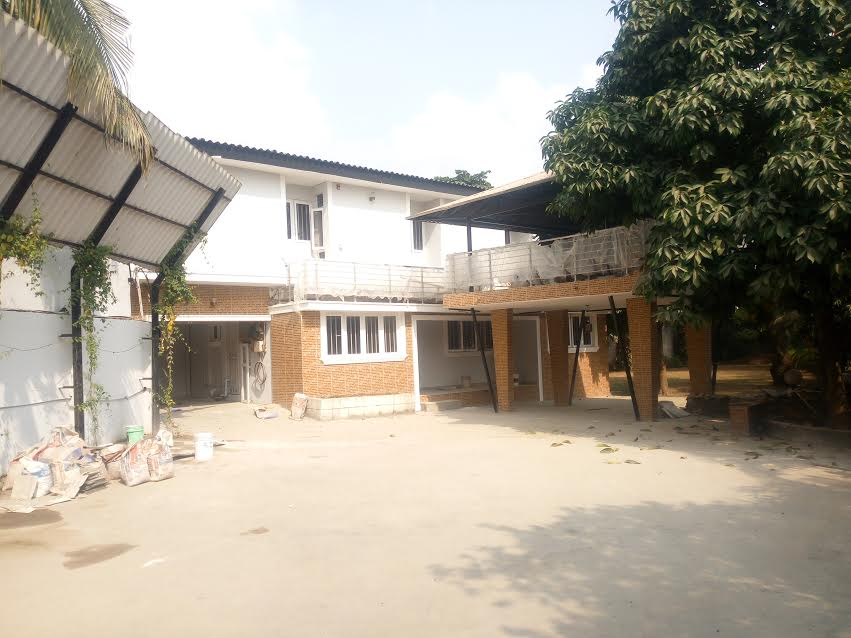 Spacious 5bdrm duplex with 2bq on almost 2plots @shonibare Maryland for 10m (Let)