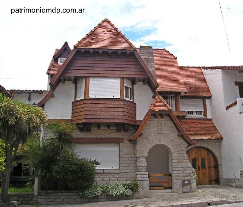 Arquitectura de casas casas y chal s de estilo y clase en mar del plata - Chalet fotos ...