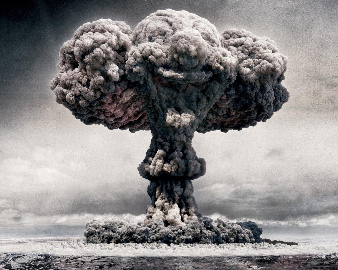 historia de la primera bomba nuclear: