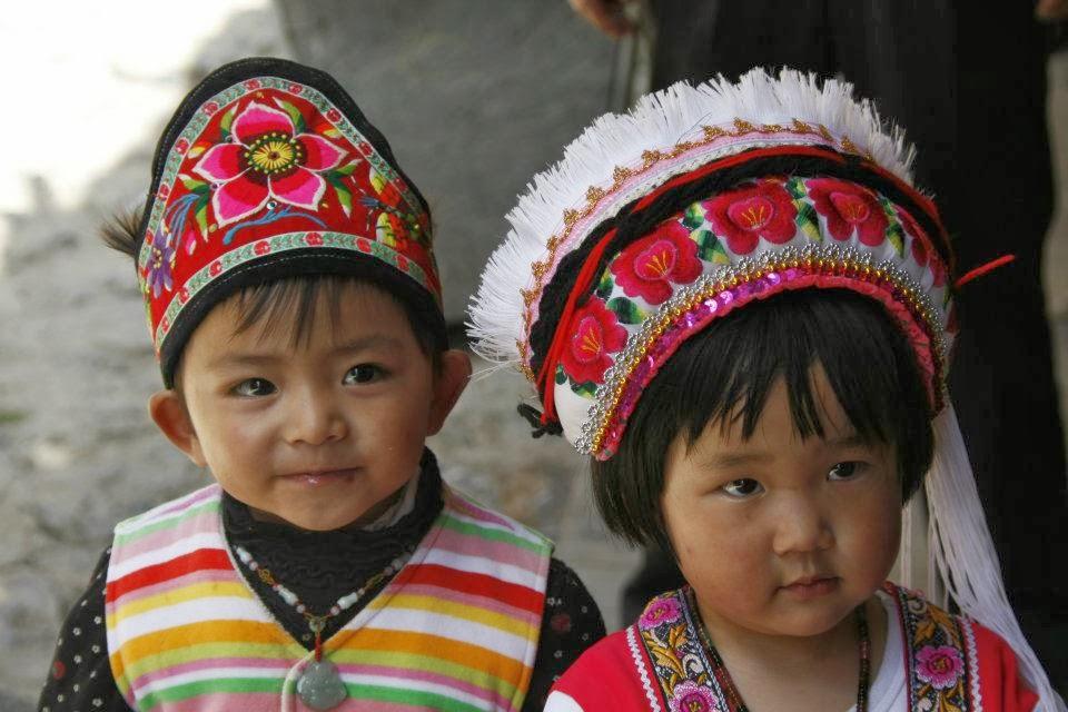 Shangri La - niños tibetanos