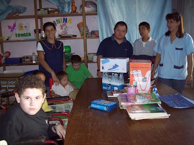 """Donación de Cafetera eléctrica, Secador de Pelo y Plancha para el Centro de Niños """"Alto Uruguay"""""""