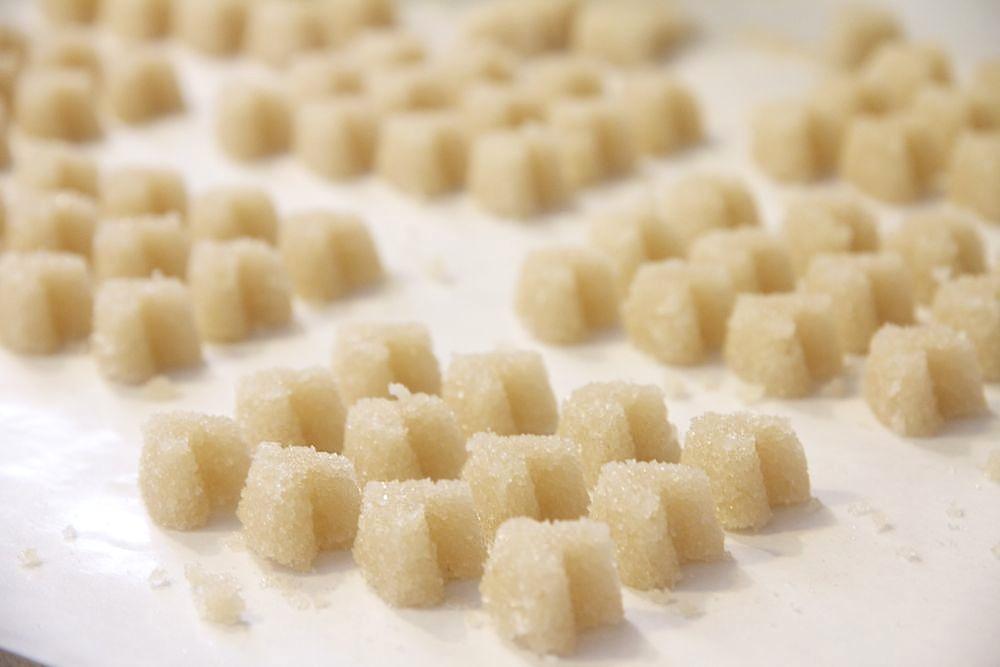 Ruffles And Stuff~: Homemade Sugar Cubes