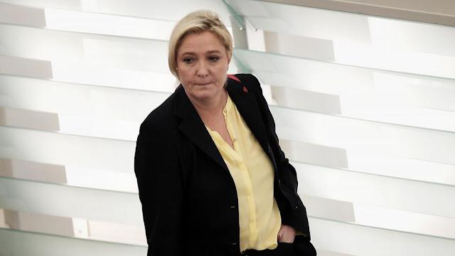 Marine Le Pen retire de son compte Twitter la photo de la dépouille de James Foley