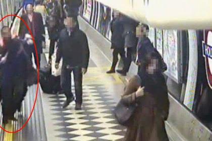 Tersangkut Pintu Kereta, Wanita Ini Hampir Menemui Ajalnya