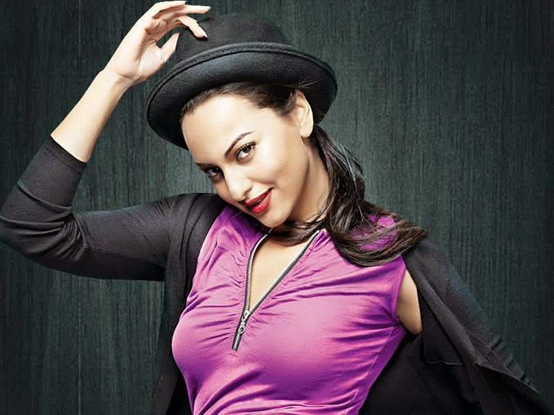 Bollywood Indian Actress Sonakshi Sinha Professional look HD Wallpaper