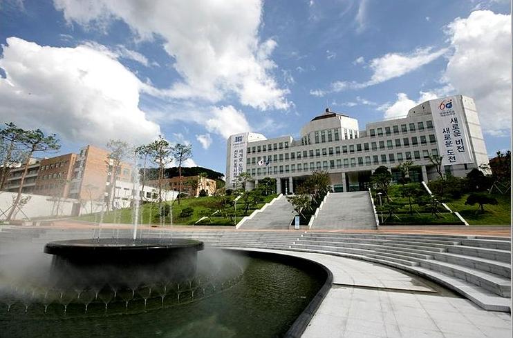 Noticias y eventos carrera de arquitectura puce beca for Arquitectura uni plan de estudios